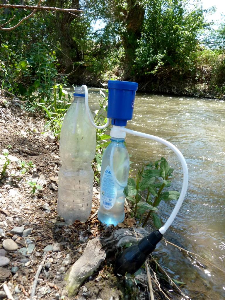 20130523. Установка для фильтрации воды на берегу речки Темирлик в урочище Сарыкамас.