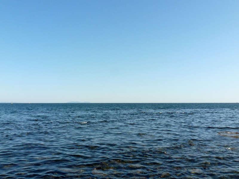 20191015. Владивосток. Просто море, за которым далеко-далеко Япония.