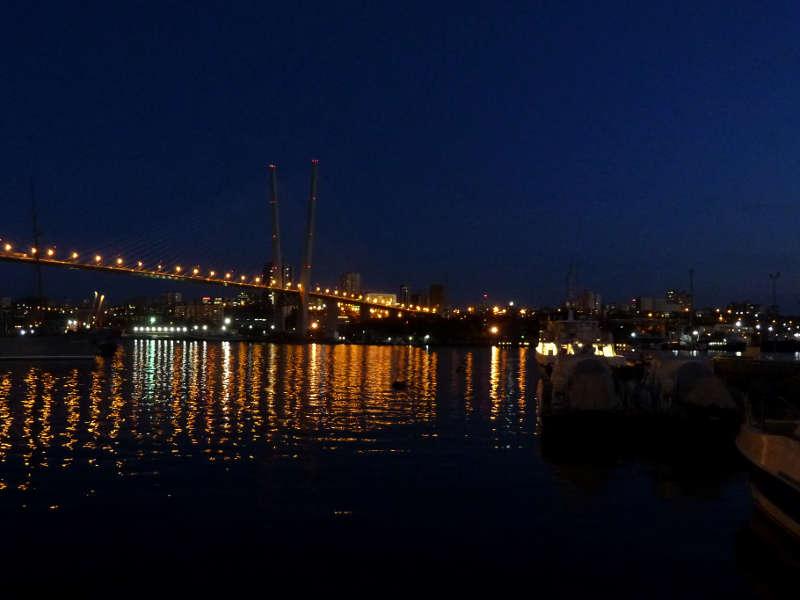 20191017. Владивосток. Ночной вид с Корабельной набережной на бухту Золотой Рог.
