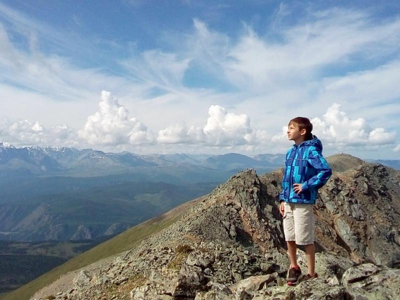 20180810. Артём на первой в его жизни высоте в три километра.