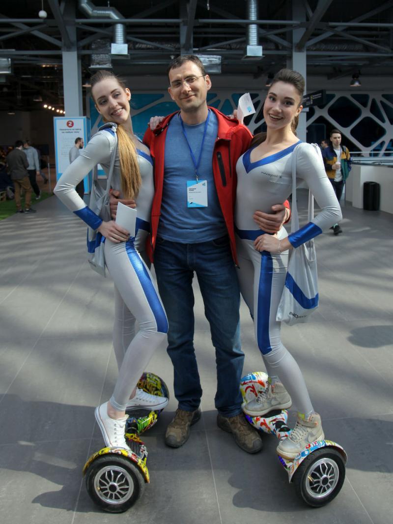 "20180331. Я и девчонки с казанского Иннополиса, на ""CodeFest-2018"" в Новосибирске."