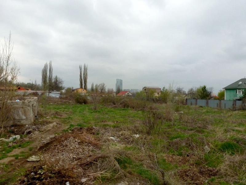 20160331. Алата. Вид на Есентай-Молл с задворок улицы Хаджи-Мукана.