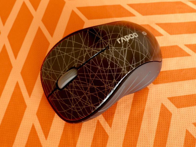 """Беспроводная мышь """"Rapoo 6080 Black Bluetooth"""": фронтальный вид."""