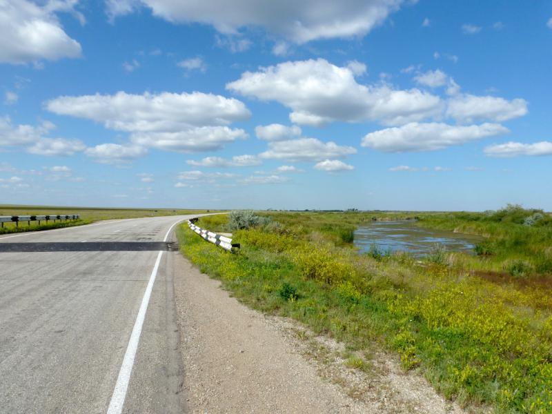 """20160805. На дороге """"Щидерты - Караганда"""" у моста через речушку Ашыкарагу."""