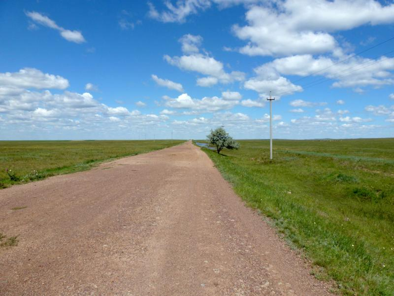 20160808. Грейдерная гравийная дорога между сёлами Жарык и Ельтай.