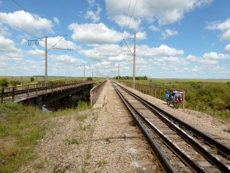 20160808. У железнодорожного моста через речку Кумая, в пяти километрах от села Ельтай.