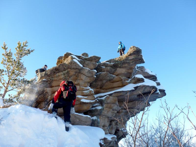 20170115. Скала на вершине высшей точки Баянаульских гор - пике горы Акбет.
