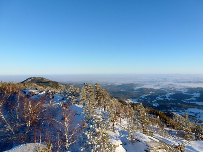 20170115. Вид с пика Акбет на хребет в восточном направлении.