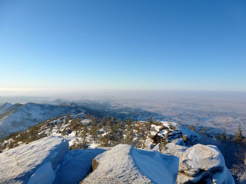 20170115. Вид с вершины горы Акбет в северо-западном направлении.