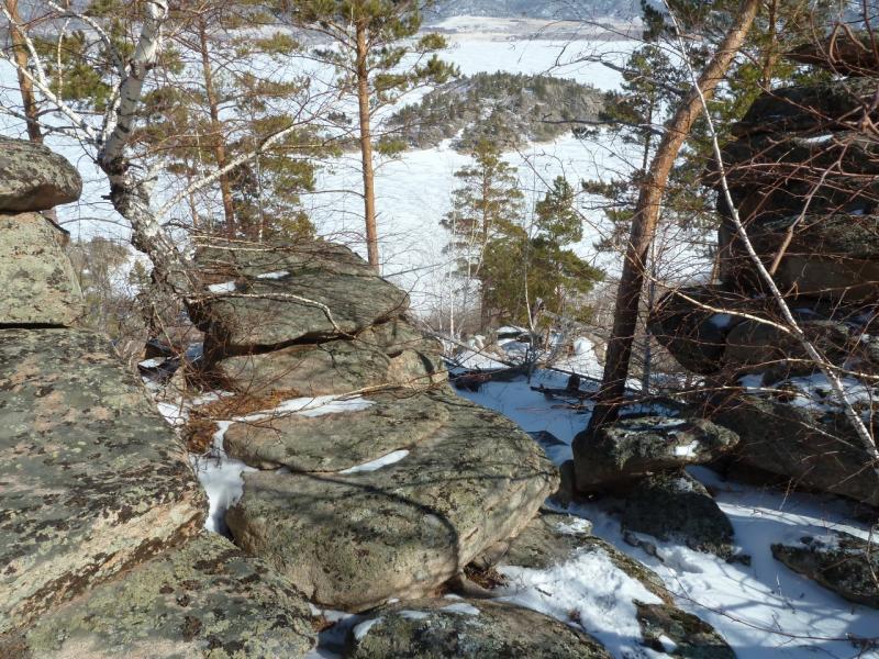 20110321: Каменные ступени на поросшем сосняком горном склоне.