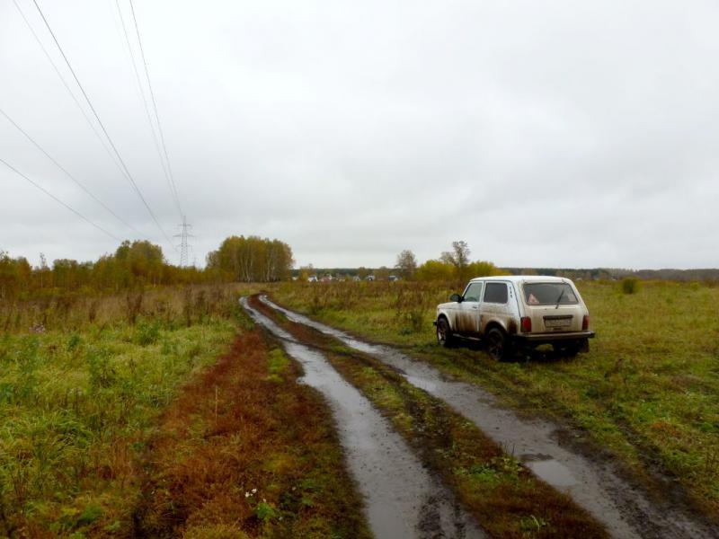 """20170923. На раскисшей после дождей полевой дороге за дачным товариществом """"Аист"""", неподалеку от деревни Березовка."""