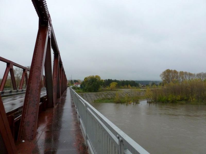 20170924. На Байдаевском мосту через реку Томь, восточнее Новокузнецка.