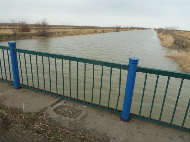 20110419. Мост через канал Иртыш-Караганда у села Евгеньевка.