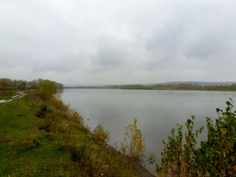 20170925. Вид на реку Томь у восточной границы города Новокузнецк.