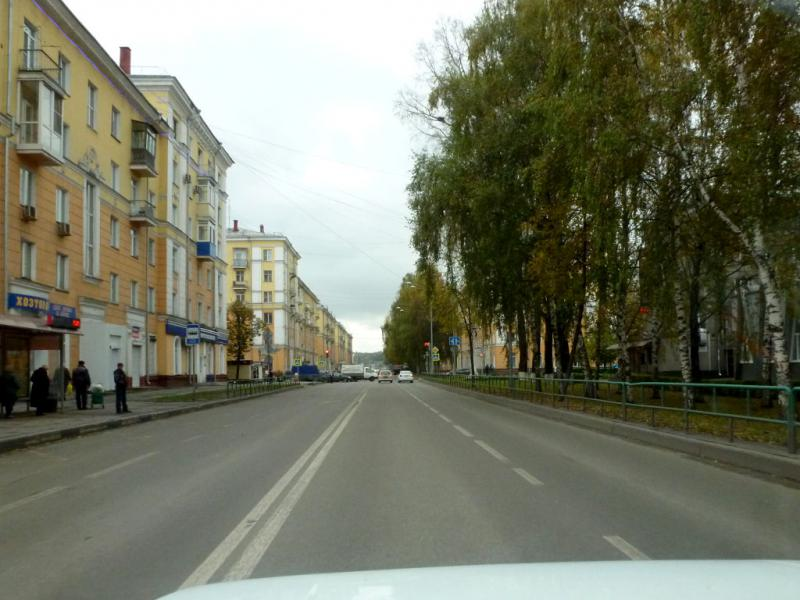 20170925. Проезжая сквозь Новокузнецк, на одной из центральных улиц.