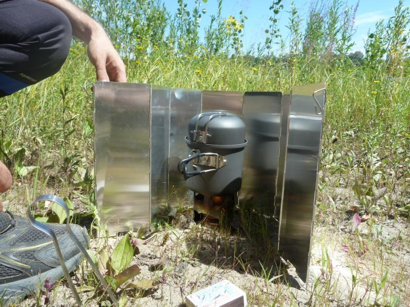 20110501. Горелка на сухом горючем. Общий вид.