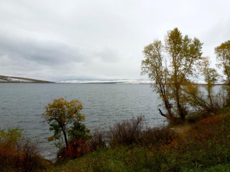 20170926. На озере Малом, с видом в сторону Солгонского кряжа гор Кузнецкого Алатау.