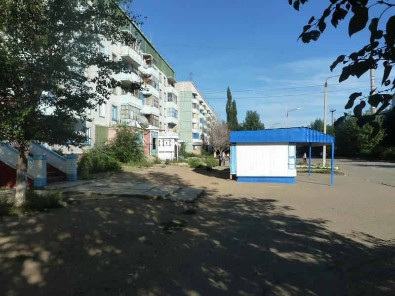 20110806. Павлодар-Астана. Бизнес-центр посёлка Солнечный.
