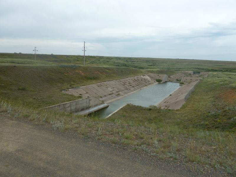 20110807. Павлодар-Астана. Водосброс Щидертинского водохранилища.