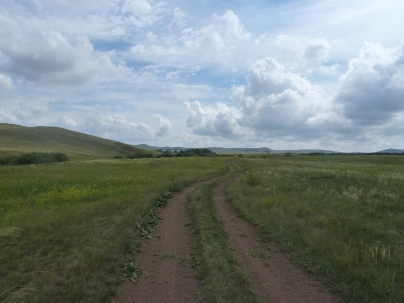 20110809. Павлодар-Астана. Дорога в долину Жартас.