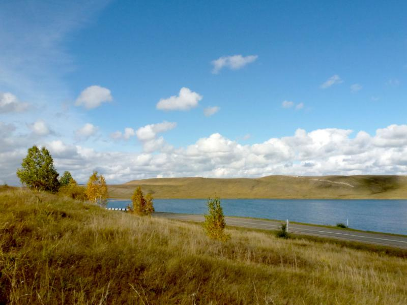 20170926. Вид на озеро Круглое, на западном подъезде к городку Шира.