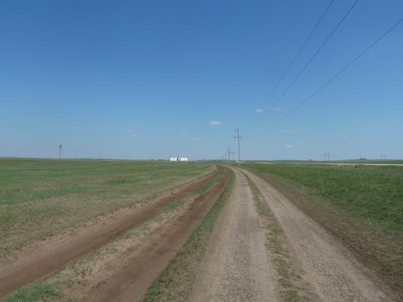 20110811. Павлодар-Астана. Вид на элеватор посёлка Павловка со стороны Новодолинки.