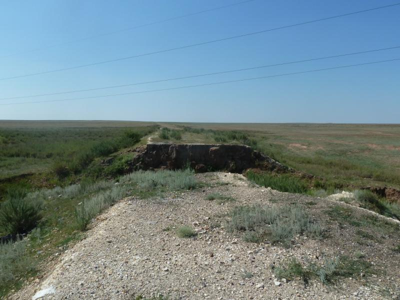 20110811. Павлодар-Астана. Участок дороги с твёрдым покрытием из Павловки в Сарыобу.