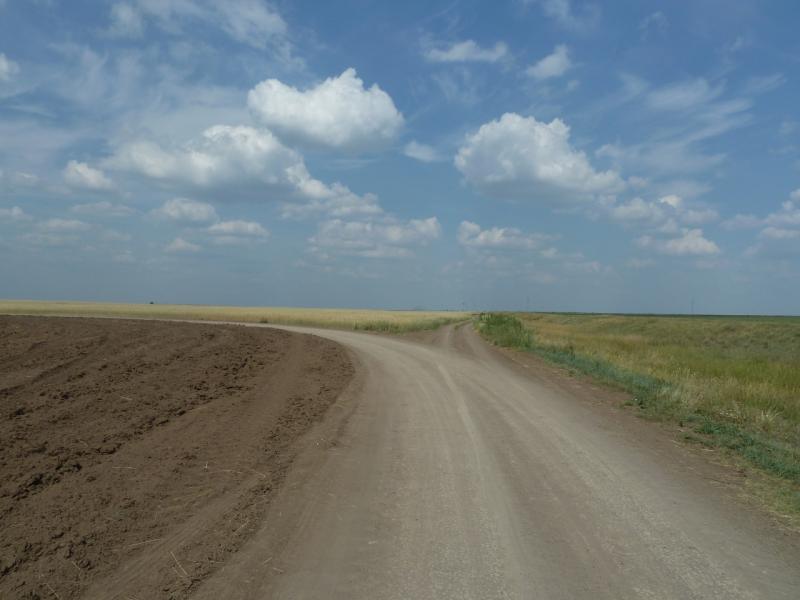 20110816. Астана-Боровое. Прямо - на село Подлесное.