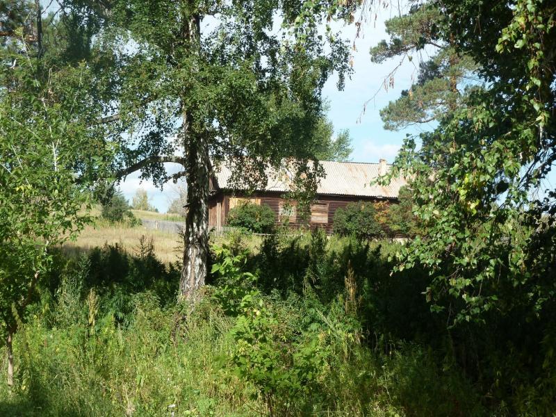 20110822. Боровое-Павлодар. Законсервированный дом в кордоне Золотой Бор.
