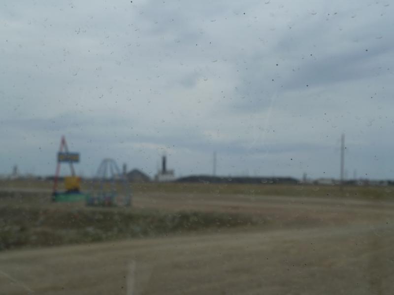 20110823. Боровое-Павлодар. Въезжаем в рабочий посёлок Бестобе.