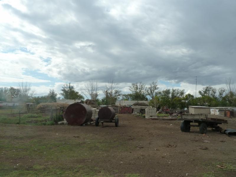20110824. Боровое-Павлодар. Подъезжаю задами к селу Шолаксор.