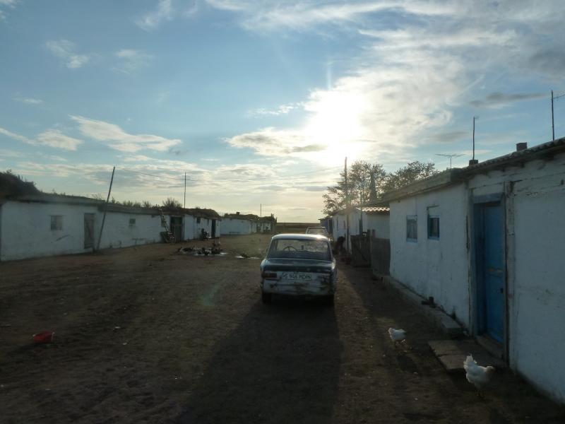 20110824. Боровое-Павлодар. Домики рабочих электрической подстанции села Балтасап.