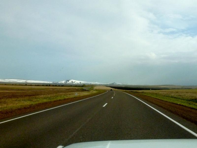 20170930. Впереди горы Солгонского кряжа, который мы обогнём с левой стороны.