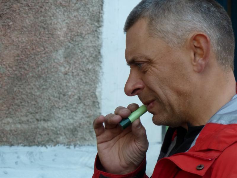 20111014. Остапенко Евгений. Павлодар. Нанесение защитного макияжа.