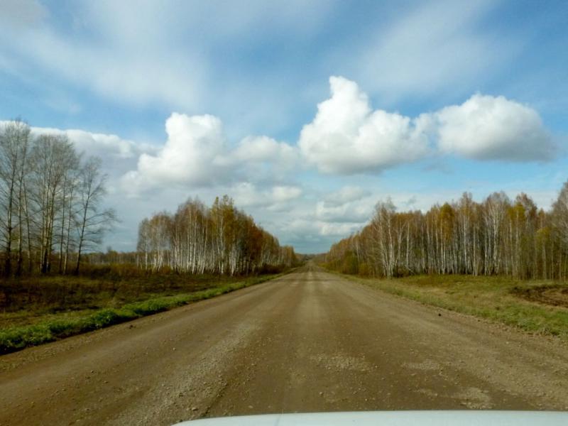 20170930. Типичная грунтовая дорога в районе села Тисуль, на окраине Кемеровской области.