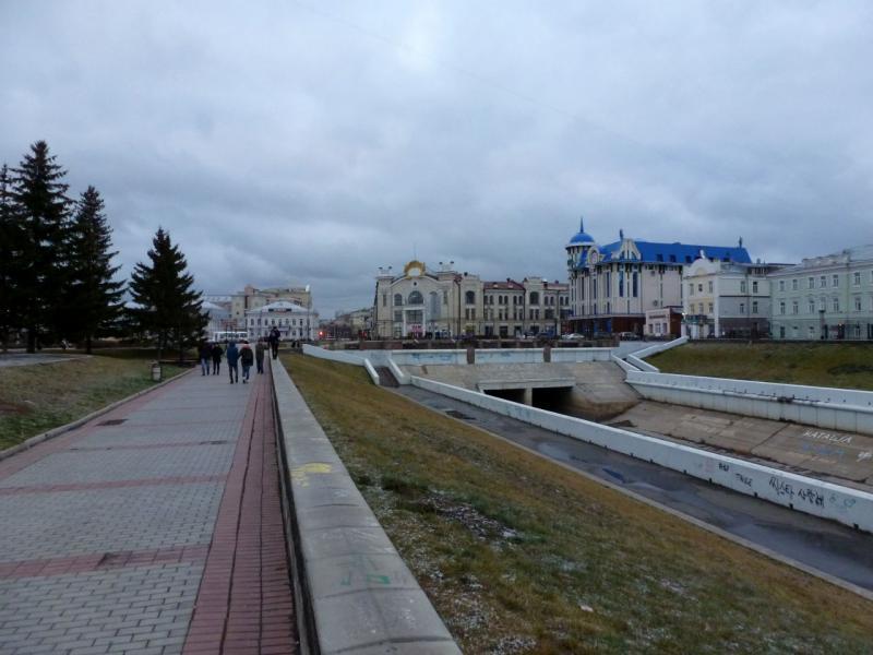 20171105. В Томске, на набережной речки Ушайка.