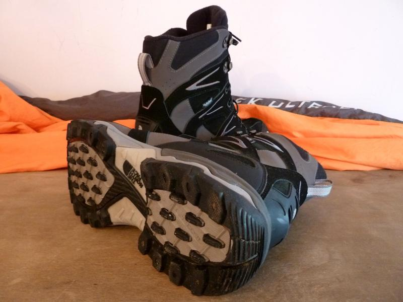 The North Face (45 size): Foot in back.