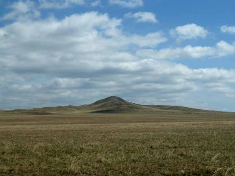 20120508. В Баянаул: вид на горы Барыжал, со стороны села Кокдомбак.