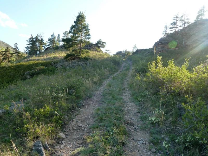 20120508. В Баянаул: дорога на водораздел между ручьём Кинды и озером Жасыбай.