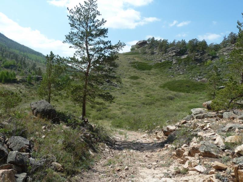 20120509. Ущельями Баянаула: тропой от озера Жасыбай в долину Жамбак.