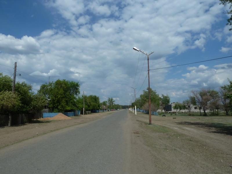 20120515. Шалдайскими борами: главная улица села Шалдай.