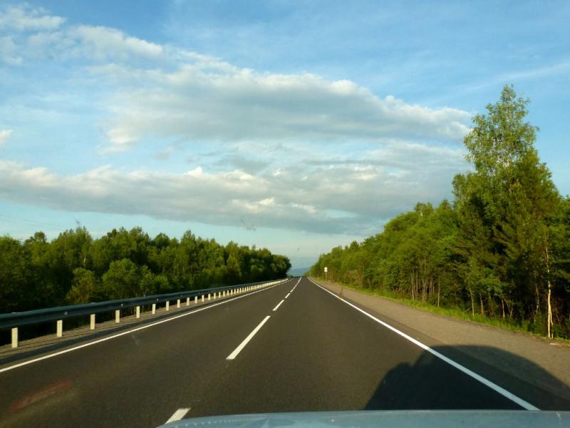 20180623. На трассе M-55 (P-258) вдоль берега озера Байкал, в окрестностях посёлка Слюдянка.