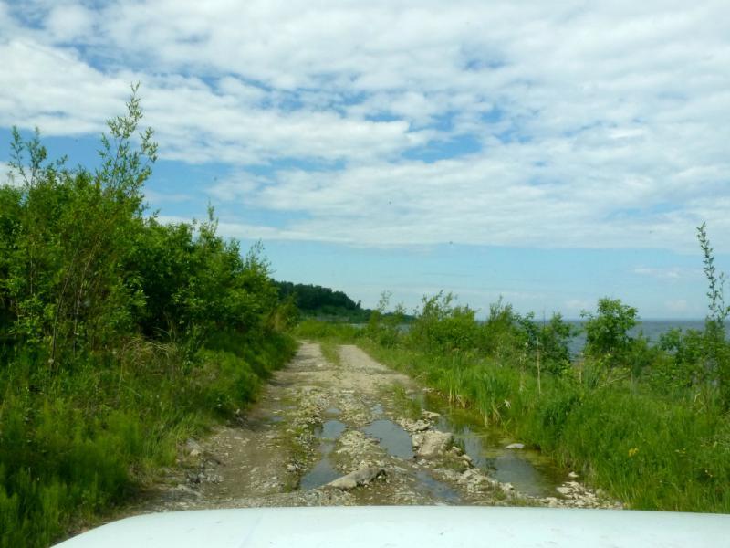 20180624. Едем рыбацкой дорогой вдоль кромки вод Байкала.