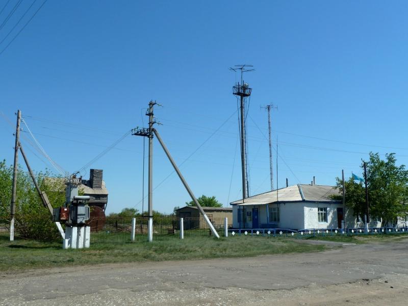 20120517. Степями и полями: в селе Павловка.