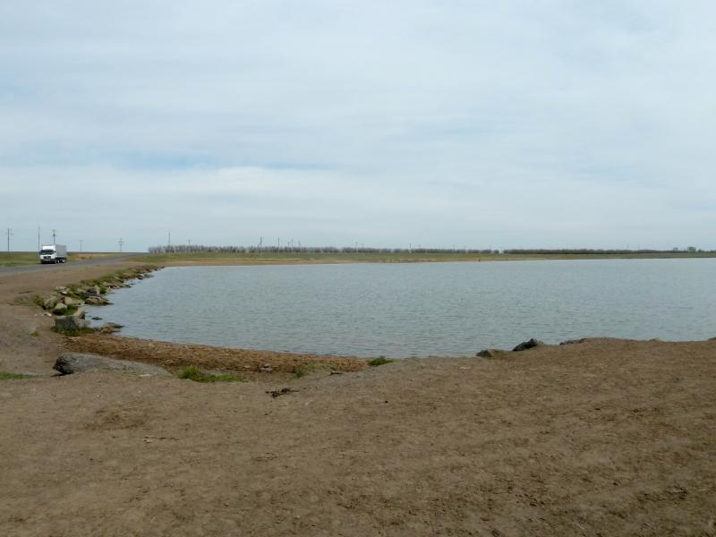 20120518. Успенскими окраинами: у залива озера Осолодочное.