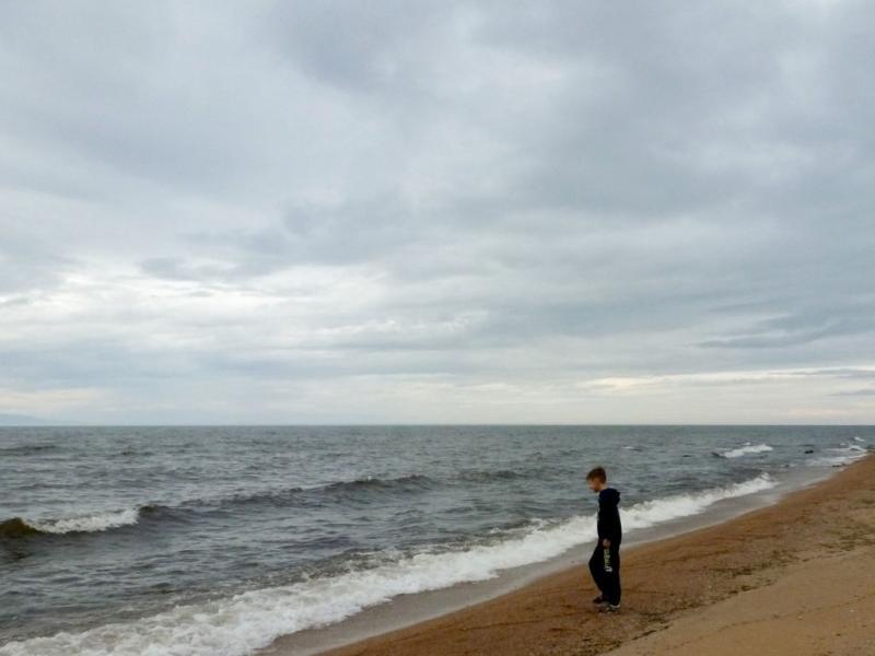 20180624. На мысе Песчаный, небольшом участке ровного берега Байкала.
