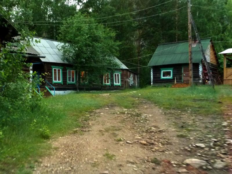 20180624. Бывший пионерский лагерь, а ныне Барагханский ашрам.