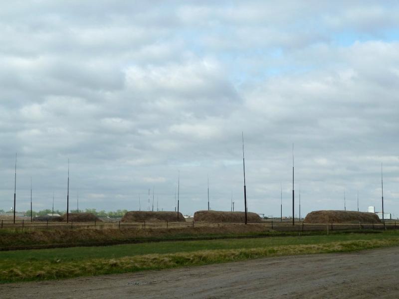 20120521. Пограничными местами: вид на обновлённое хозяйство села Новокузьминка.