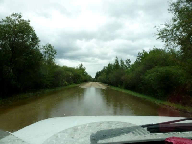 20180625. Весь день льёт дождь и дороги частично затоплены.