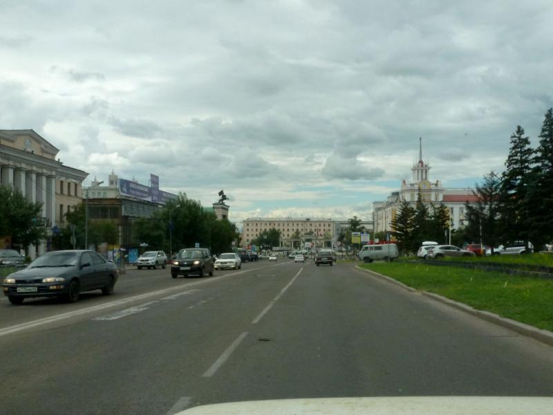 20180626. На улице Ербанова, в центре Улан-Удэ, столицы Бурятии.